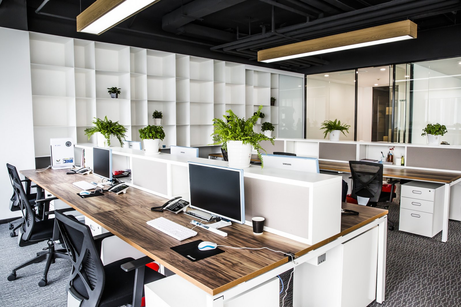 office idea. Apply This Idea For Your Work Space It Easy Sharing Each Others, And Make Communication Much Better . Don\u0027t Forget To Put Plant On Working Office